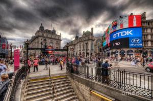piccadilly-circus--london-yhun-suarez