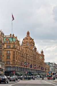 400px-Harrods,_London_-_June_2009