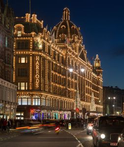 505px-Harrods_at_Night,_London_-_Nov_2012